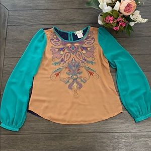Hipster style woman's blouse size medium NWOT